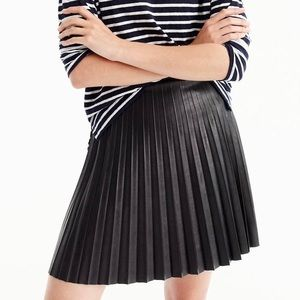 J Crew Black Pleat Faux Leather Mini Skirt C9160